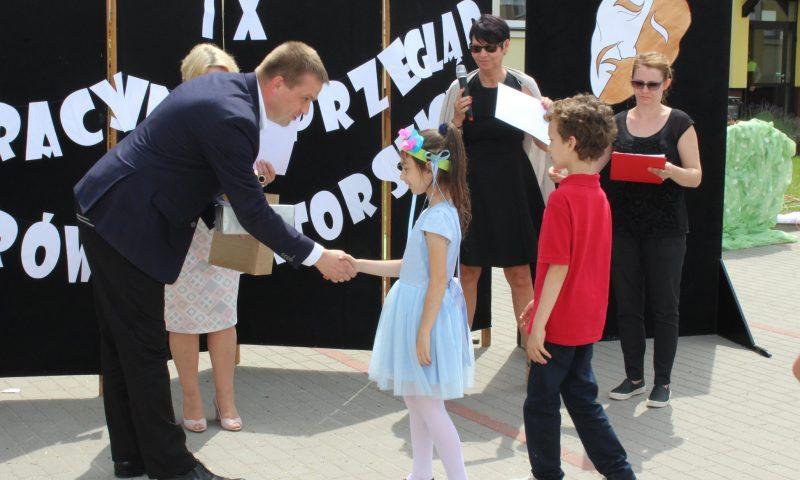 """IX Integracyjny Przegląd Teatrów Amatorskich """"W Krainie Baśni, Mitów i Legend…"""" pod patronatem Starosty Kętrzyńskiego"""