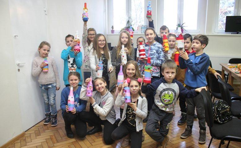 """""""Wazony w sweterku"""" – warsztaty w Miejskim Ośrodku Kultury w Korszach"""