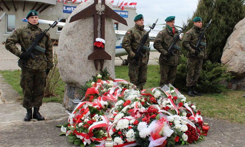 """Apel  Pamięci """"Ofiarom Katastrofy pod Smoleńskiem"""""""