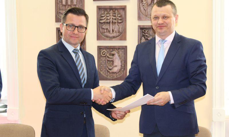 Umowa inwestycyjna pt. : Przebudowa drogi powiatowej 1713N Mołtajny- Barciany na odcinku Barciany – Bobrowo podpisana