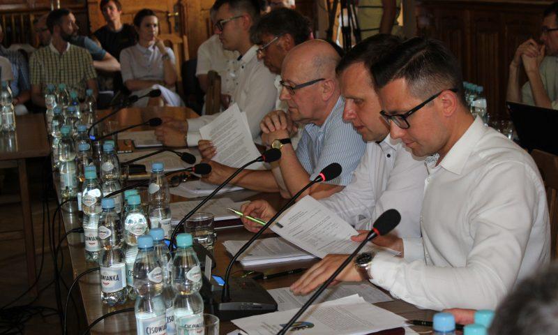 Zarząd Powiatu w Kętrzynie z wotum zaufania i absolutorium