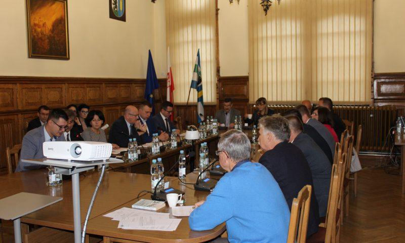 Echa nadzwyczajnej sesji Rady Powiatu w Kętrzynie