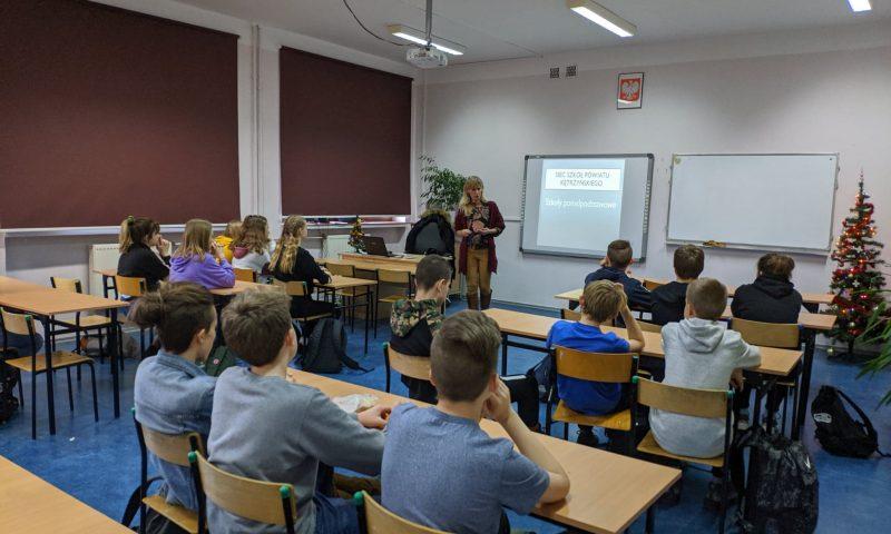 Przed trudnym wyborem szkoły – spotkanie z uczniami klas VIII Szkoły Podstawowej nr 5 z Oddziałami Integracyjnymi w Kętrzynie