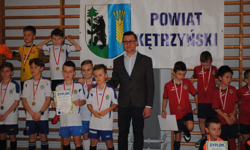 """Turniej piłki nożnej rocznik 2011 i młodsi """"Ferie na sportowo"""" o puchar Starosty Kętrzyńskiego"""