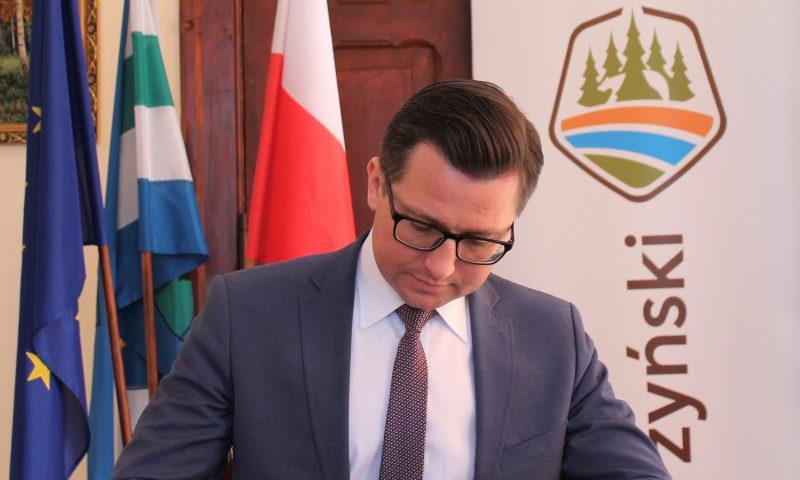 Kolejna umowa na przebudowę drogi podpisana