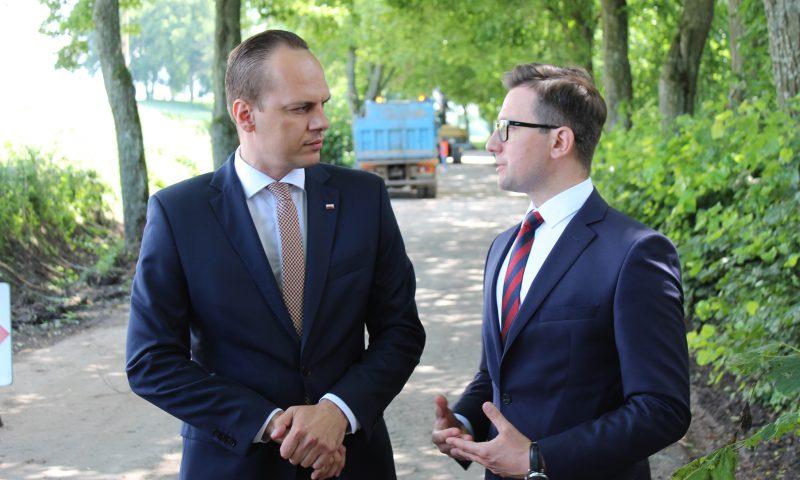 Minister infrastruktury Rafał Weber odwiedził powiat kętrzyński.