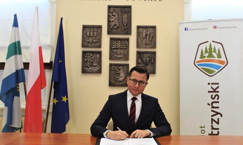 Umowa o dofinansowanie projektu na  kompleksową modernizację energetyczną budynku nr 4 Zespołu Szkół im. Macieja Rataja w Reszlu podpisana