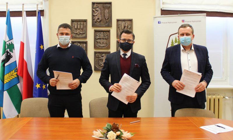 Umowa na realizację inwestycji poprawy efektywności budynku nr 4 w Reszlu podpisana
