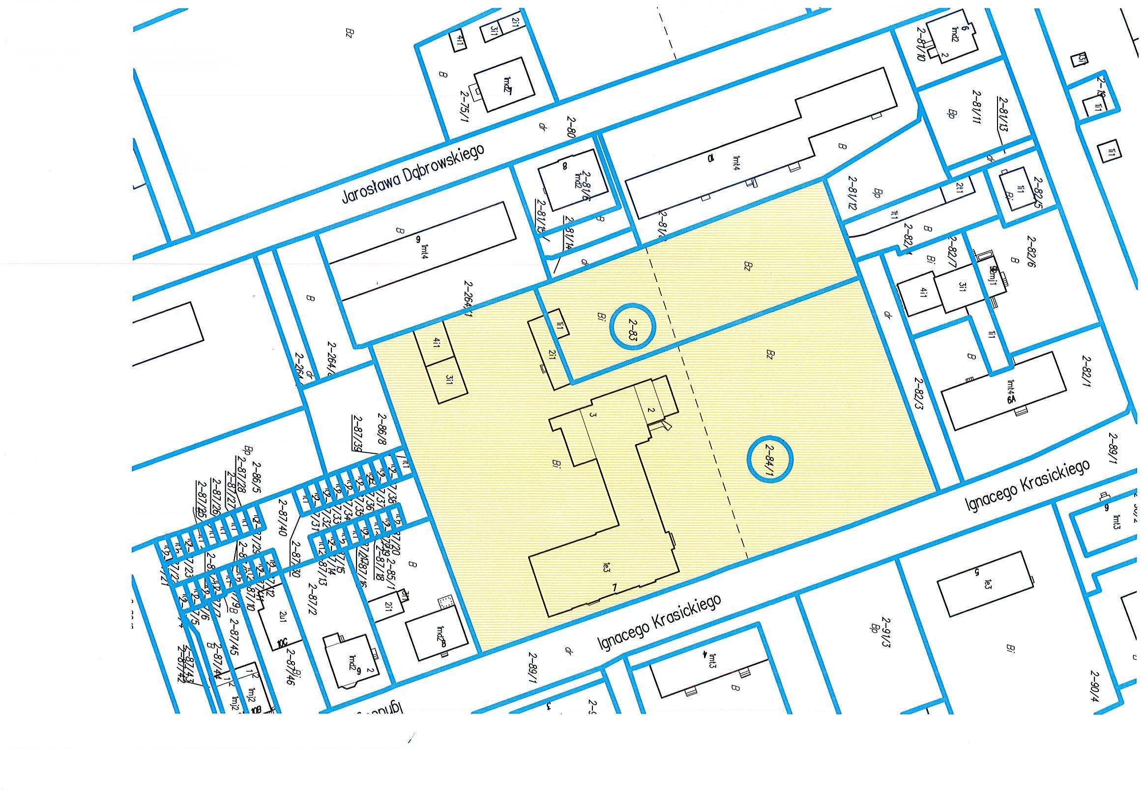 Zdjęcie przedstawia mapkę geodezyjną ilustrującą nieruchomość gruntową wraz zabudowaniem (kolor żółty) przeznaczoną na sprzedaż