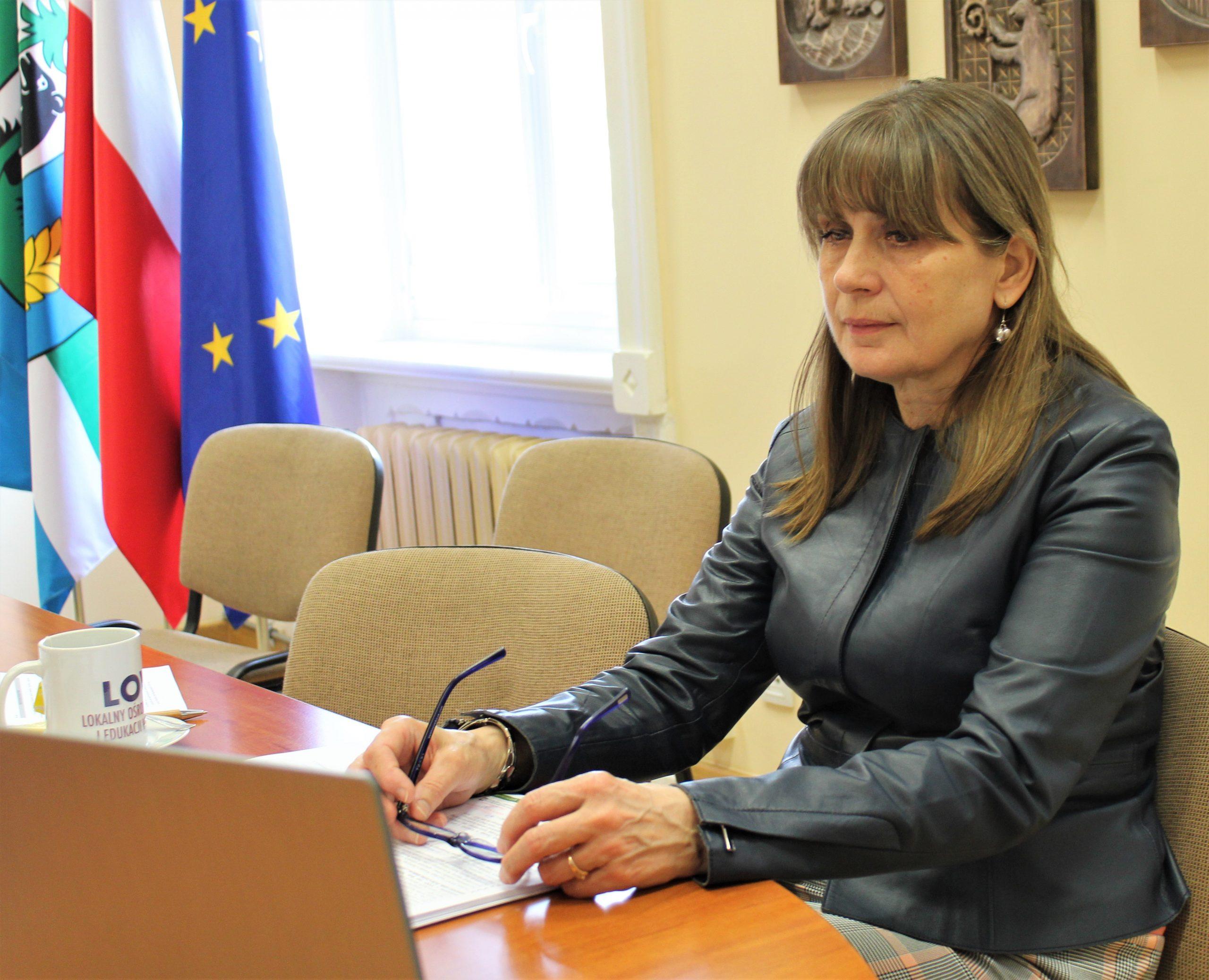 Zdjęcie przedstawia Przewodniczącą Rady Powiatu w Kętrzynie Urszula Baraniecka