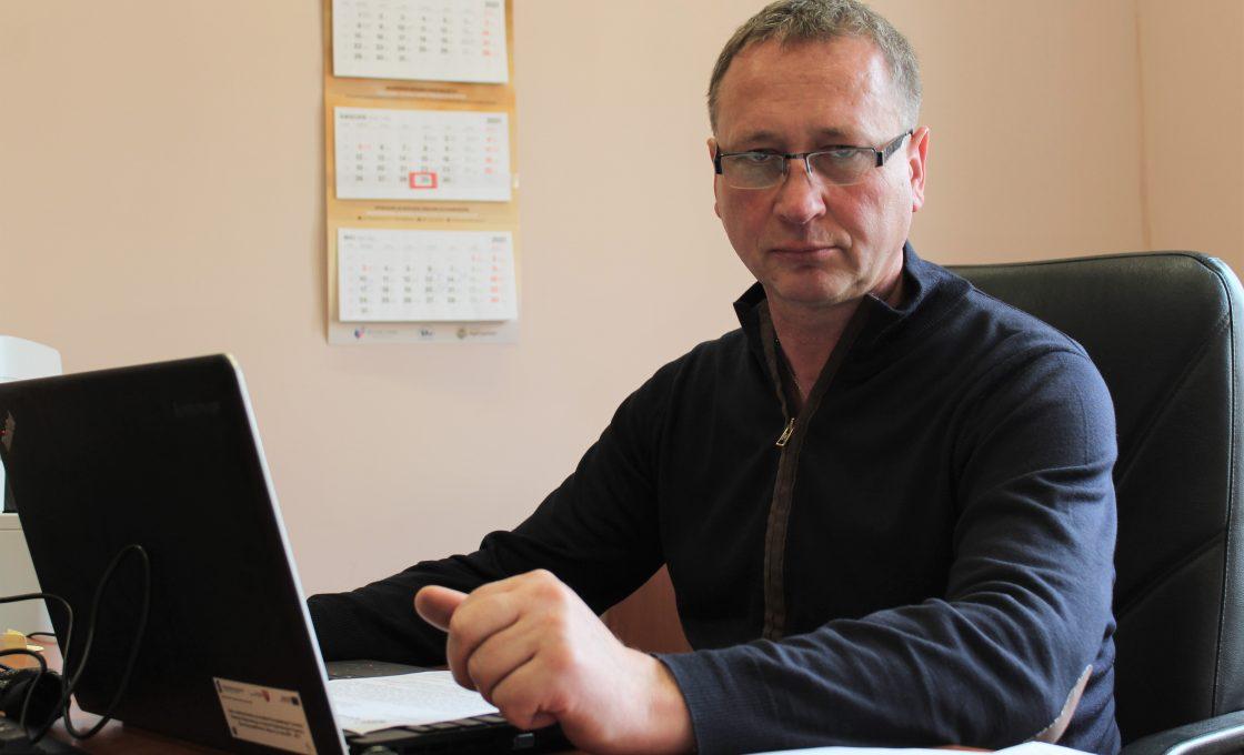 Zdjęcie przedstawia radnego Rady Powiatu w Kętrzynie Zbigniew Olenkowicz