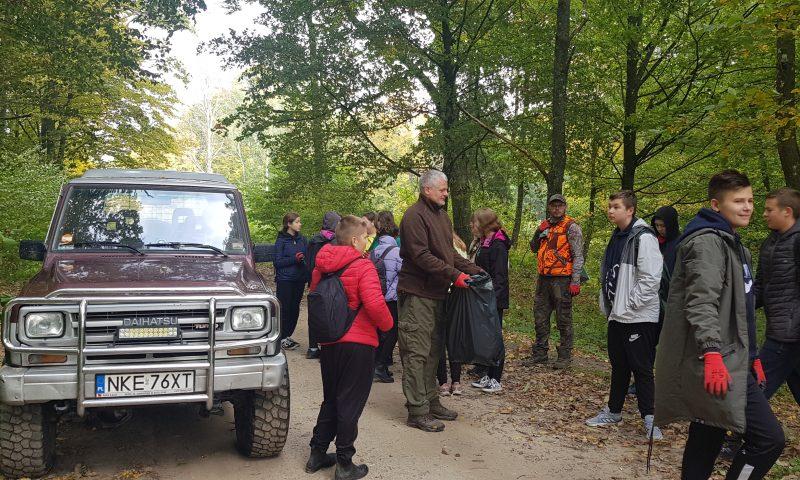 """VI edycja Akcji """"Sprzątanie lasów"""""""