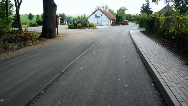 Kolejna wyremontowana droga już służy mieszkańcom