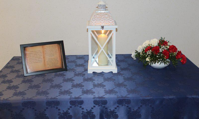 Święty Ogień z Grobu Pańskiego już w Starostwie Powiatowym w Kętrzynie