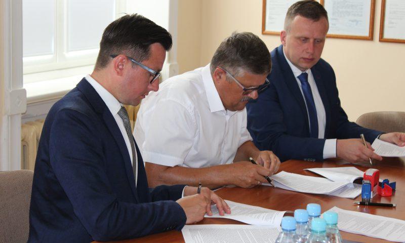 Podpisano dwie umowy inwestycyjne